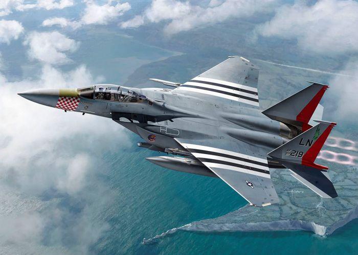 Academy 1/72 McDonnell-Douglas F-15E Strike Eagle Plastic Model Kit