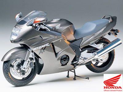 Tamiya Honda CBR 1100XX Super Blackbird Motorcycle Kit