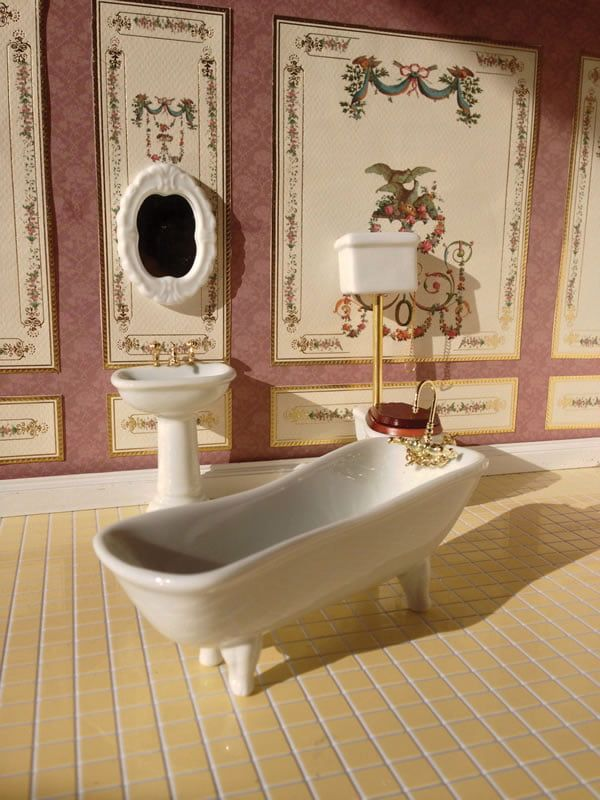 Classic White and Gold 4 Piece Bathroom Suite with High Level WC