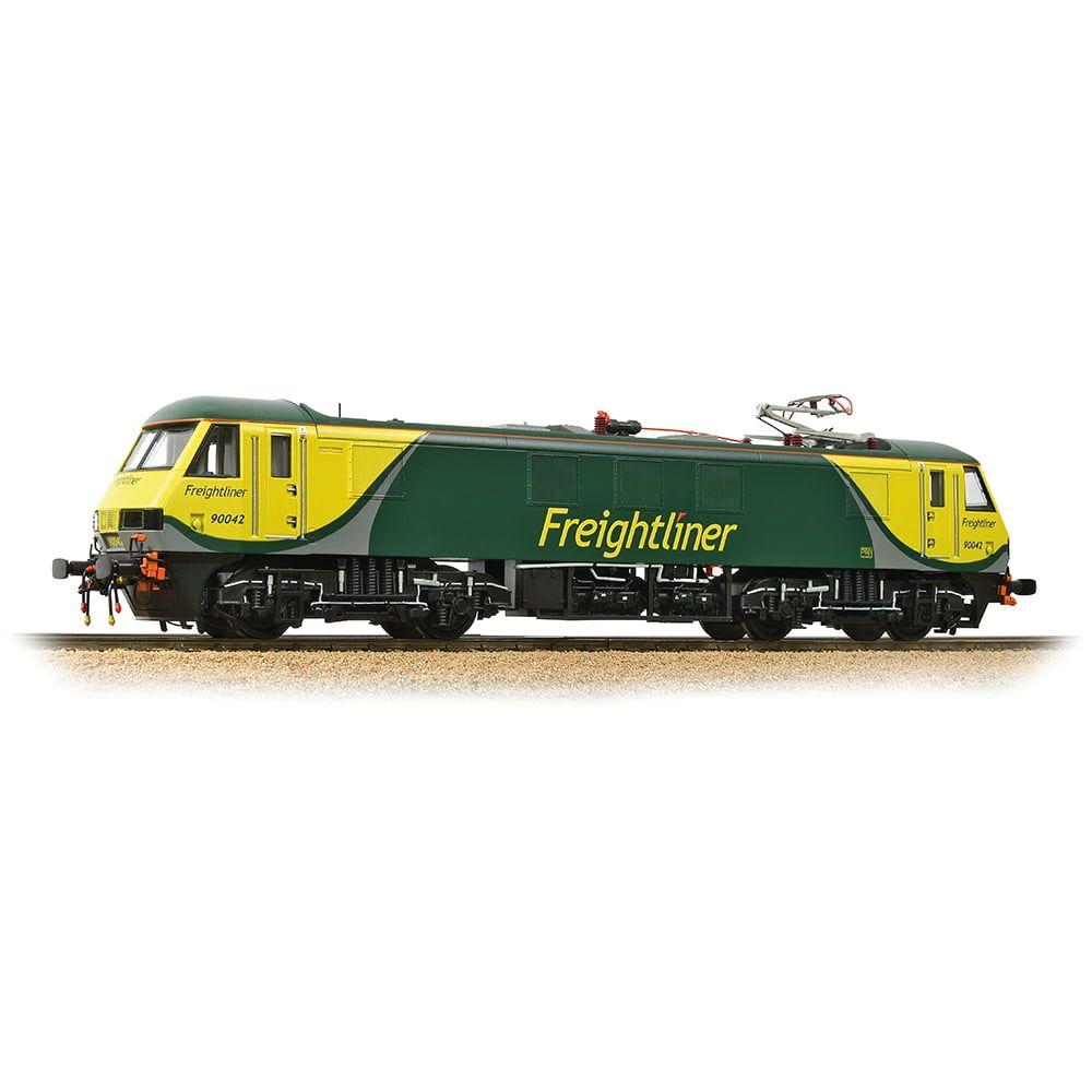 Class 90 90042 Freightliner 'Powerhaul'