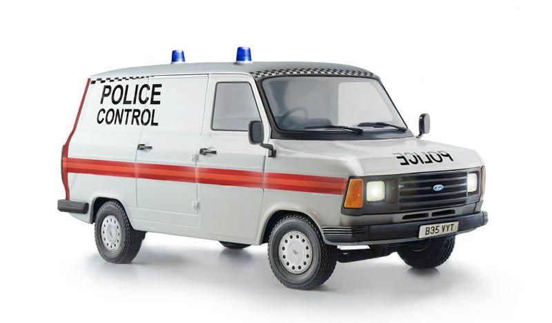 Italeri Ford Transit UK Police Van Kit
