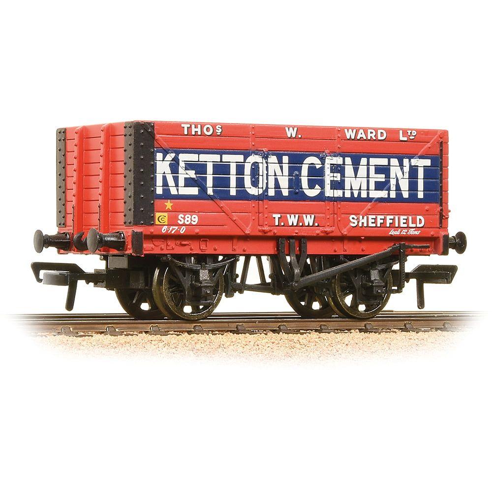 Branchline 8 Plank End Door Wagon 'Ketton Cement' 37-134B