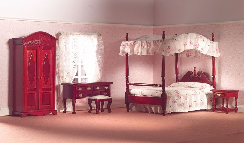 Traditional Bedroom Set with Four-Poster Bed Mahogany