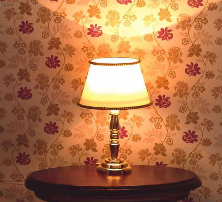 Classic Gold Cream Table Lamp 1:12 Scale by Dolls House Emporium