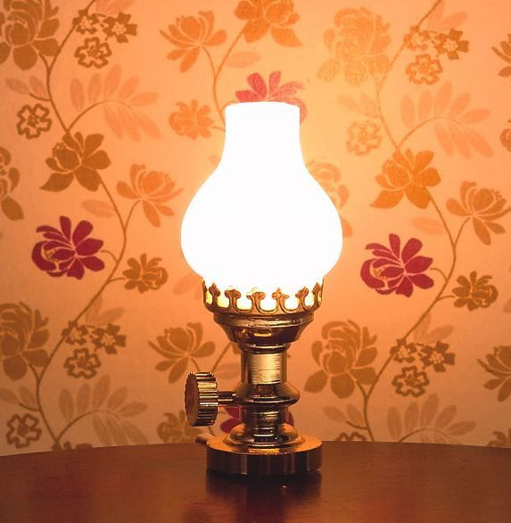 Oil Lamp 12 Scale Table Light for Dolls House