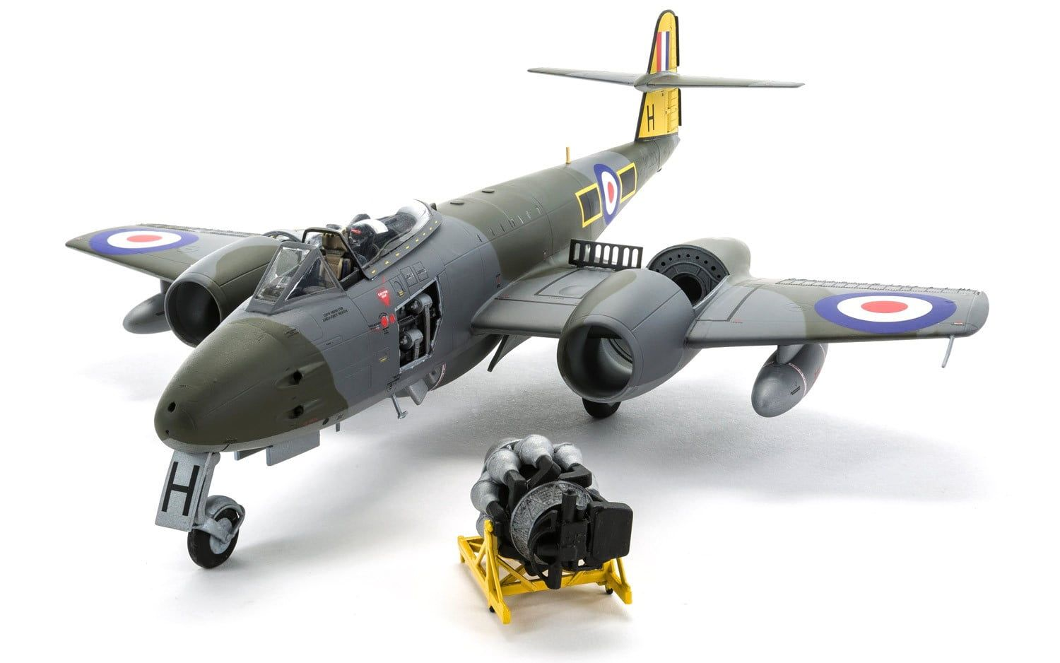 Airfix Gloster Meteor F8   1:48 Scale Plastic Model Kit