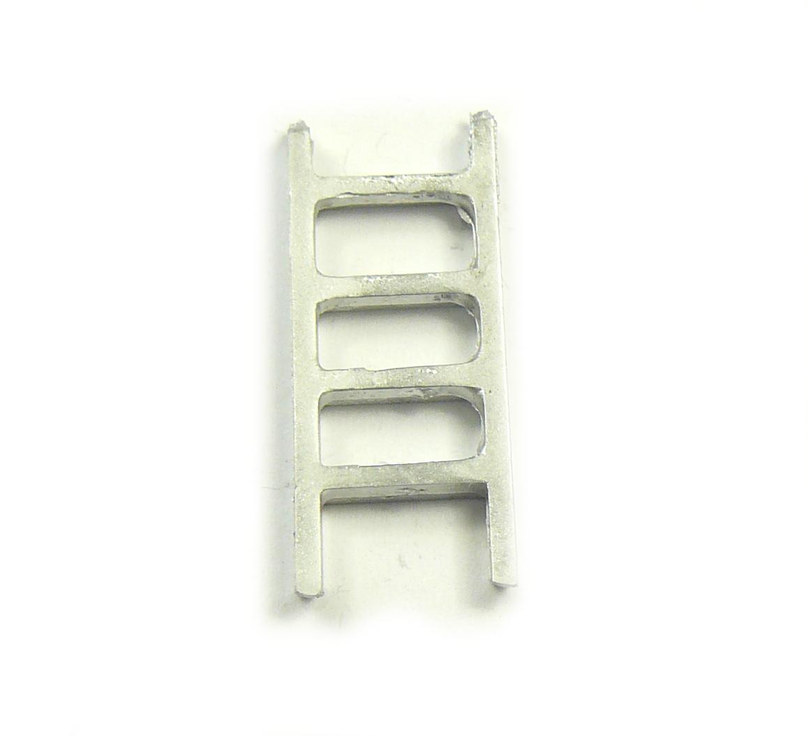 2 x White Metal Ladder 31 x 12mm