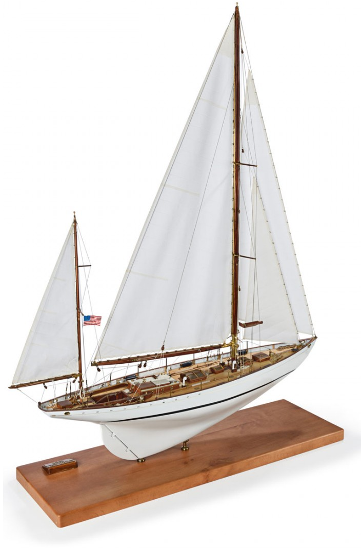 Amati Dorade Racing Yacht Kit