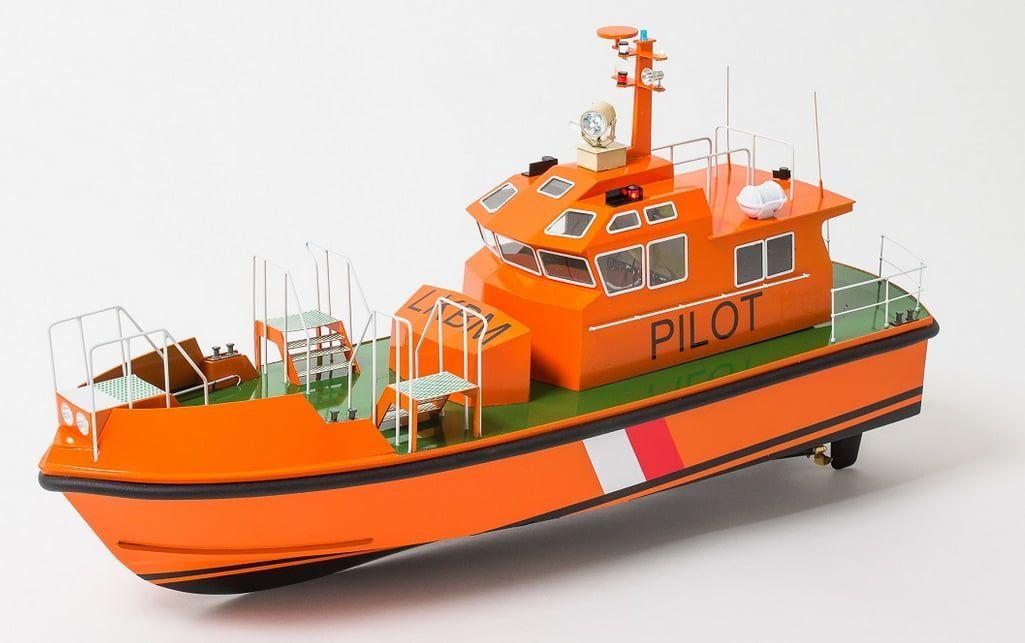Aeronaut Pilot Model Boat Ki and RC Pack & Running Gear Pack Deal