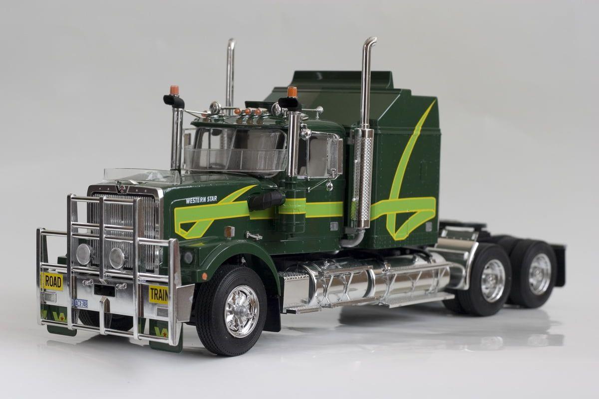 Italeri Australian Truck 24th Scale Plastic Model Kit - Italeri Australian Truck