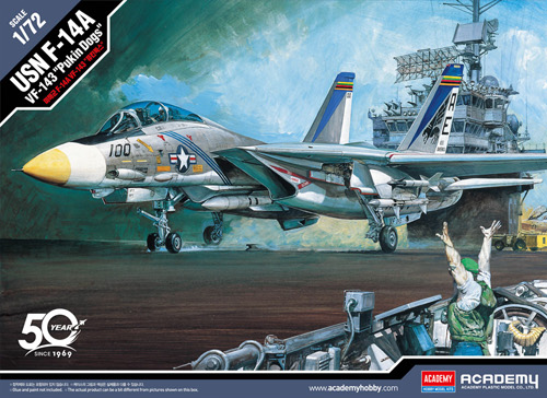 Academy Models USN F-14A Tomcat VF-143 Pukin' Dogs Kit