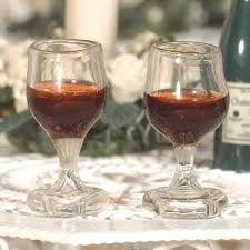 2 x Glasses of Red Wine 12th Scale