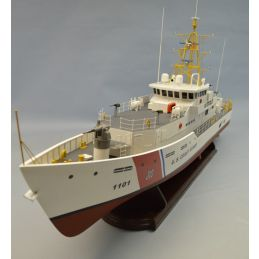 Dumas 1/48 USCG Fast Response Cutter Kit