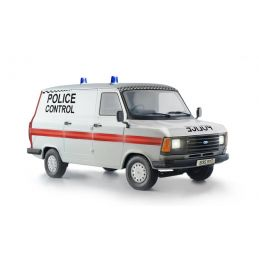 Italeri Ford Transit UK Police Van Kit