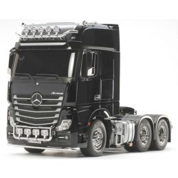 Tamiya Mercedes-Benz Actros 3363 6x4 GigaSpace 1:14 Scale R C Tractor Truck