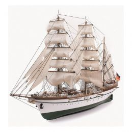 Esmeralda Naval Training Model Ship Kit