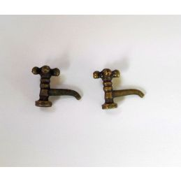 Pair of Brass Crosstop Pillar Taps 1 12 Scale for Dolls House