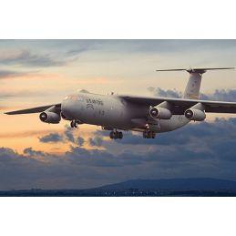 Roden 1/144 Lockheed C-141B Starlifter Plastic Model Kit