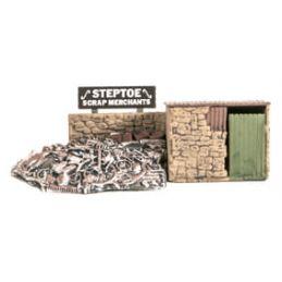 Peco Scrapyard Small Stone Built & Scrap Pile