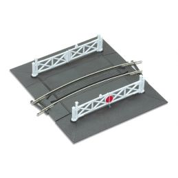 OO Gauge Peco Curved (No.1 Rad.) Level Crossing complete with 2 ramps & 4 gates