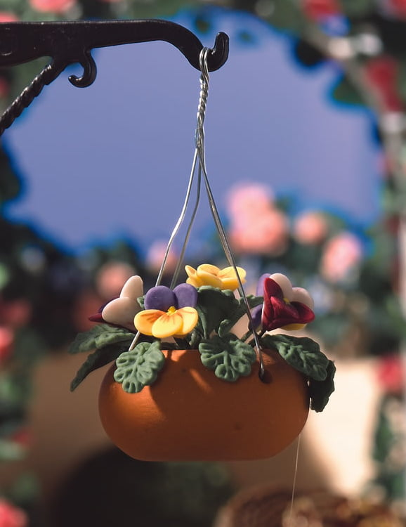 Hanging basket with pansies