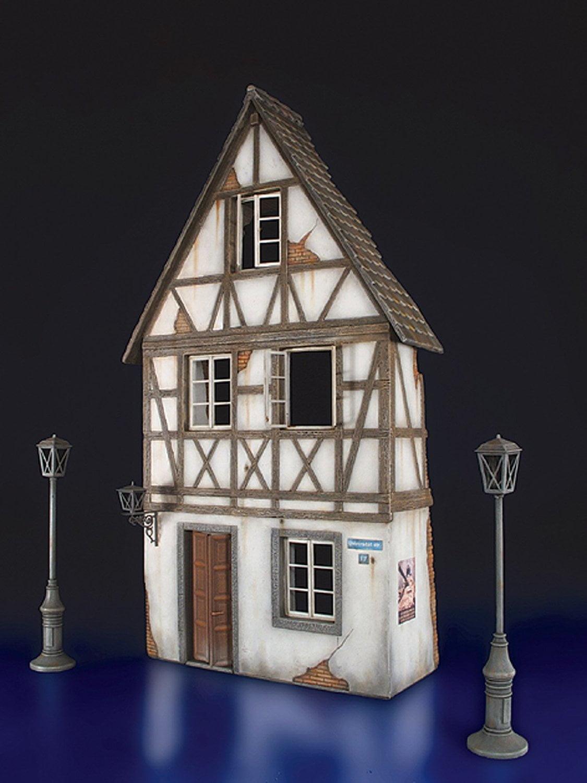 Miniart German Village House Ruins 1 35 Scale Plastic