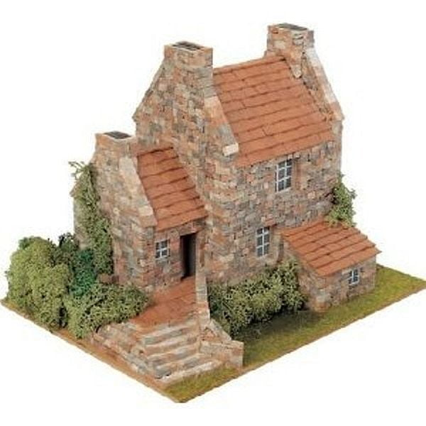 Domus country 3 house brick model kit 40043 hobbies for Brick kit homes