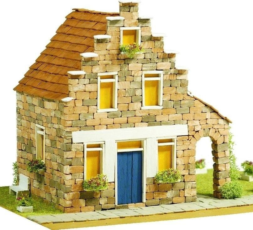 Domus kits medieval castle brick kit for Brick kit homes